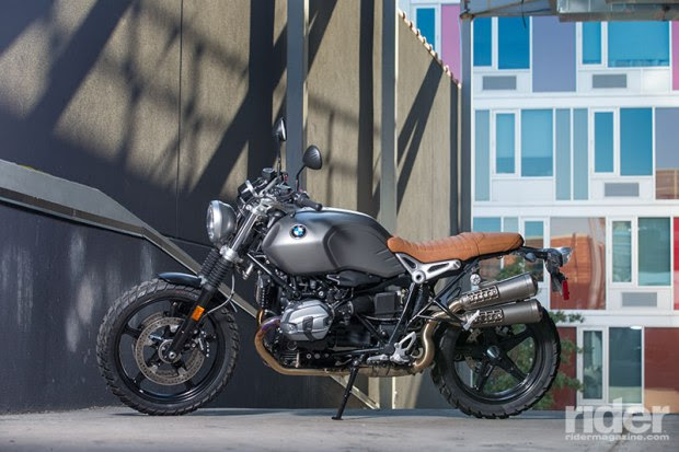 The Scrambler comes standard with cast mag wheels; tubeless spoked rims are a $500 option. (Photo: Kevin Wing)