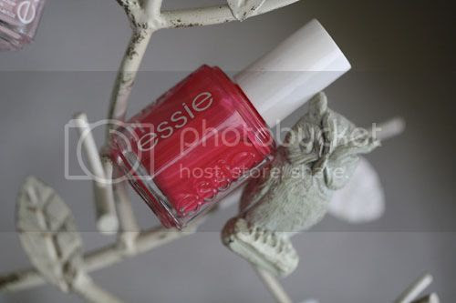 photo Essie-Peach-Daiquiri_zpsa3e193a6.jpg
