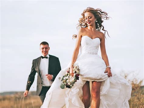 Wedding Dress Rental: Is Renting Your Wedding Gown A