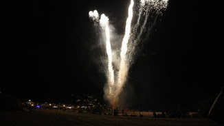 Focs artificials a l'Estartit per la revetlla de Sant Joan (ACN)