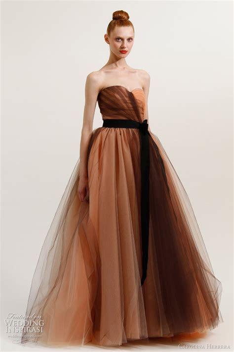 Bella Swan?s Wedding Dress   Carolina Herrera Resort 2012