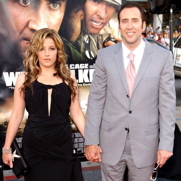"""Três meses e meio. Foi essa a duração do casamento do ator Nicolas Cage com a cantora Lisa Marie Presley, filha do """"rei"""" Elvis Presley (1935-1977). O casório ocorreu em 2002 e levou 107 dias para se encerrar. (Foto: Getty Images)"""