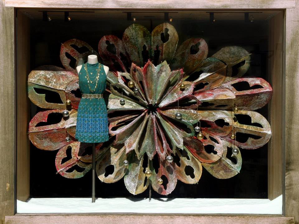 best-window-displays_anthropologie_2013_christmas_01