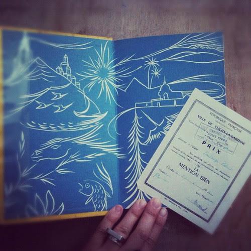 Inside the book by la casa a pois