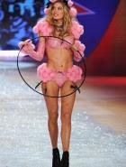 doutzen kroes victorias secret fashion show