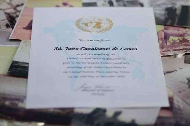 Certificado reconhece o pernambucano como integrante do Batalhão de Suez, condecorado com o Nobel da Paz (Guilherme Veríssimo/DP/D.A.Press)