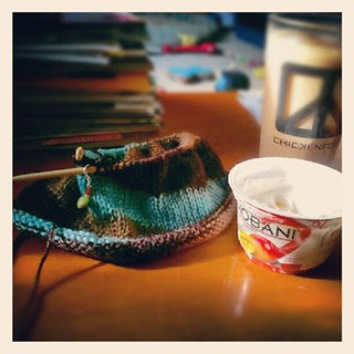 Good Morning! #breakfast #coffee #knitting #chobani #yumo #knit #yarn #food #sodelicious