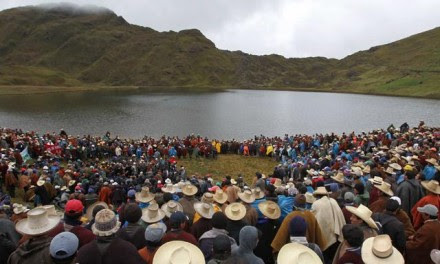 Paro en contra de la minera en Cajamarca, Perú. Foto: Especial