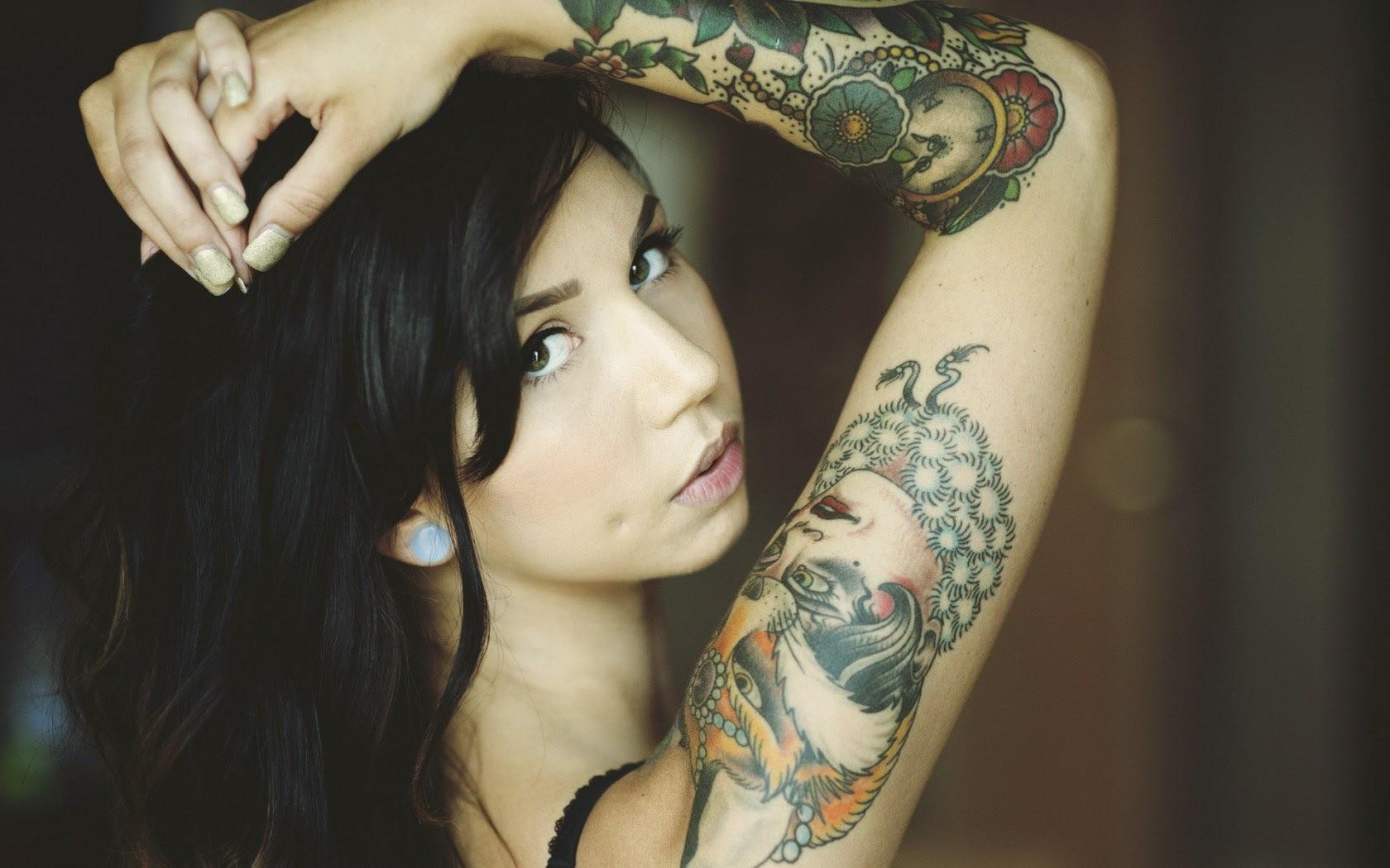 Brunette Girl Tattoos Gloves Photo Wallpaper 1680x1050 18990