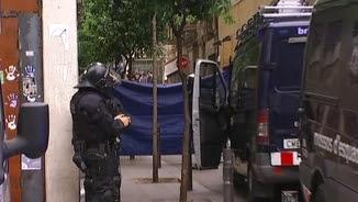 Dispositiu policial davant el Banc Expropiat