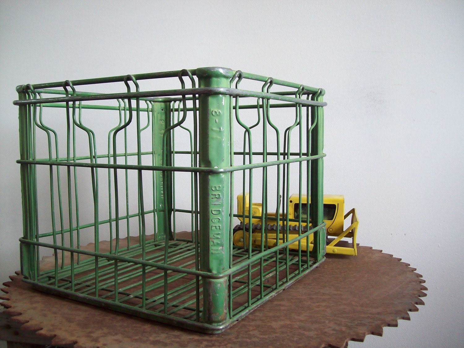 Vintage Bridgemans metal milk crate green original paint Free shipping to USA - LostTreeMan