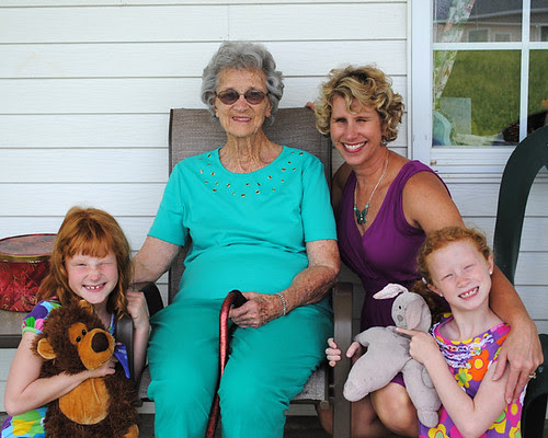 Aunt Livy Kelly and Girls-72