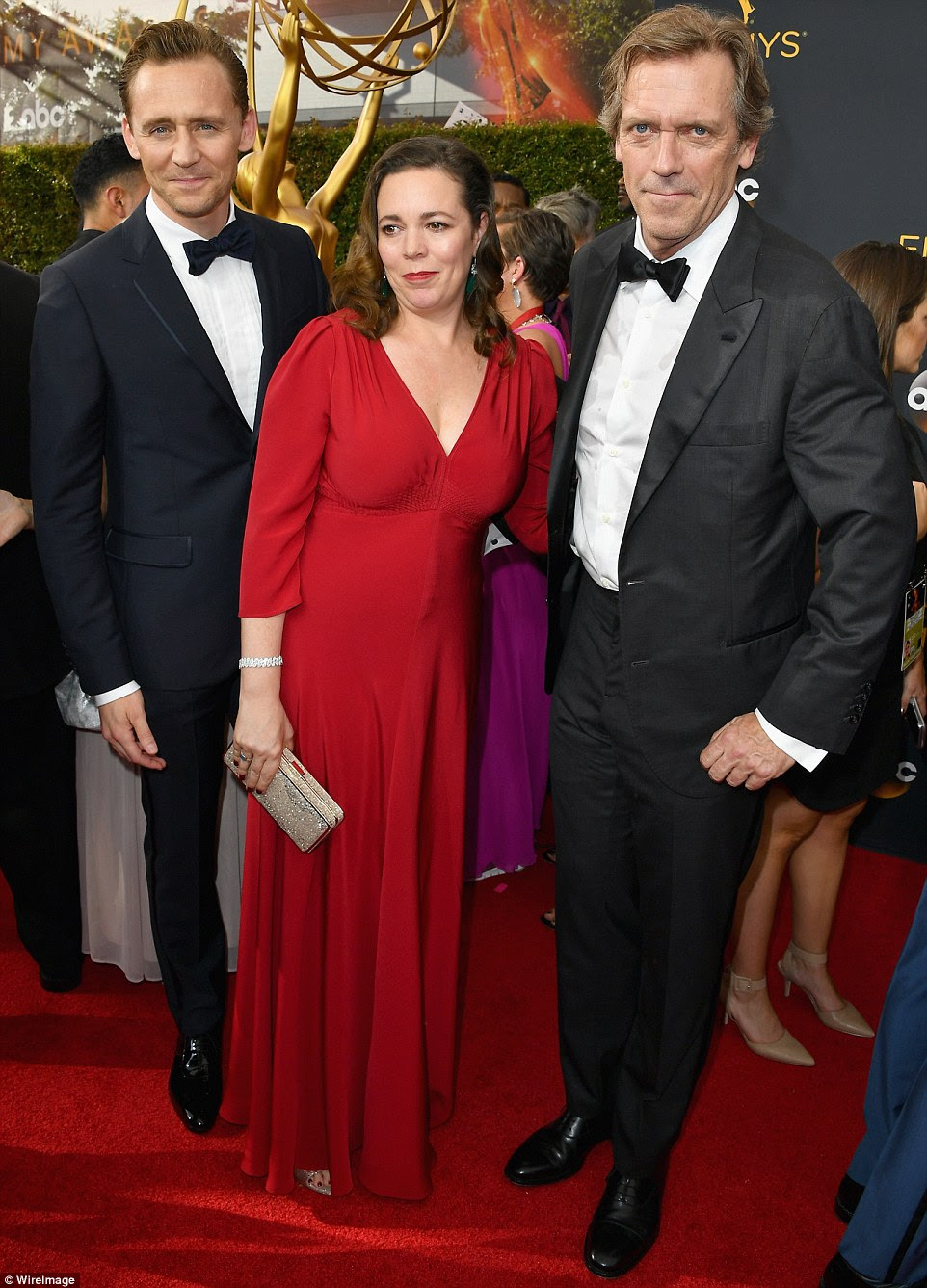 Co-estrelas: a noite de Manager (LR) Tom Hiddleston, Olivia Colman e Hugh Laurie participaram do evento em conjunto