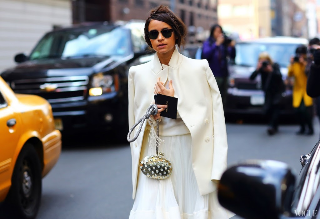 white blazer street style mira