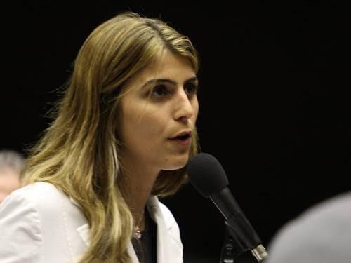 deputada Manuela D'Ávila