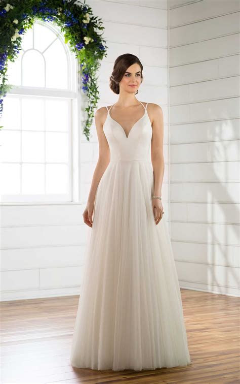 Beachy A Line Wedding Dress   Essense of Australia Wedding