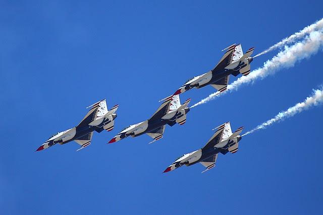 IMG_3076 Thunderbirds, Travis AFB Air Show