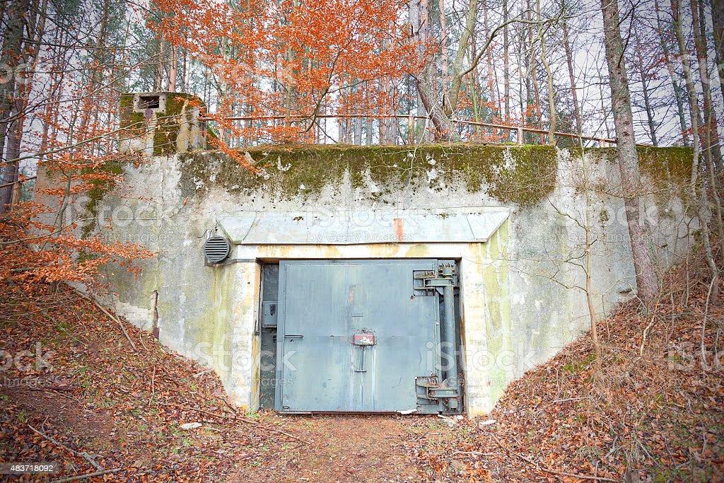Resultado de imagem para Bunker da época da Guerra Fria é