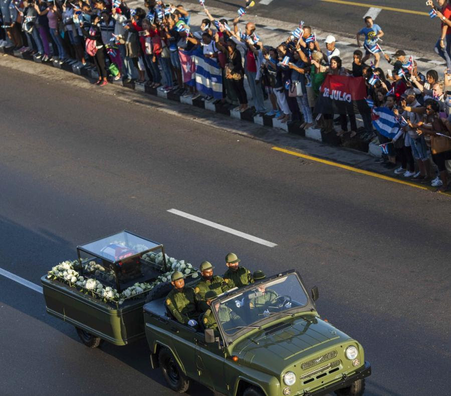 Cenizas de Fidel peregrinan por Cuba