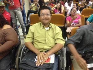 Marcos Maciel procurou atendimento para cursos de capacitação (Foto: Jéssica Alves/ G1)
