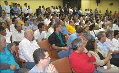 O Fórum ficou lotado com candidatos e coordenadores das campanhas