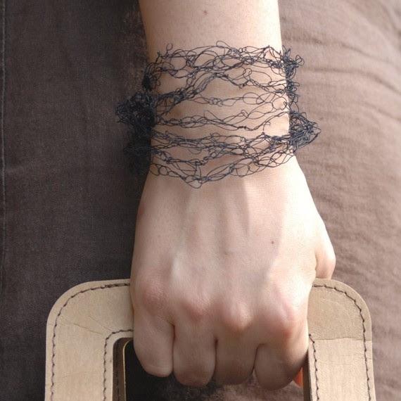 paper yarn bracelet