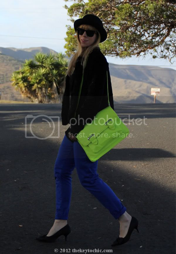 neon handbag, Lucky Brand Charlie skinny skimmer capri jeans, kitten heels, Los Angeles fashion blogger, southern California fashion blog