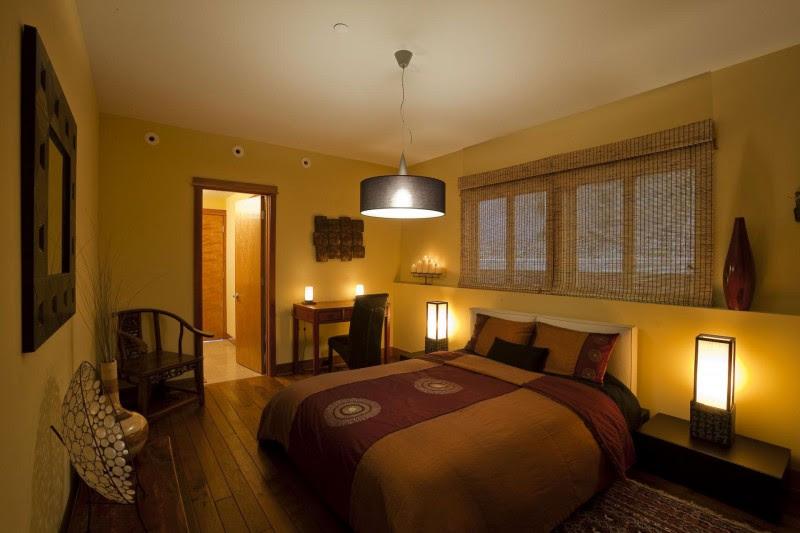 Architecture: Comfortable Bedroom Interior Design Idea Applied In ...