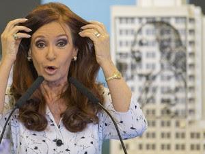 Cristina Kirchner faz pronunciamento nesta quarta (22) (Foto: Natacha Pisarenko/AP )