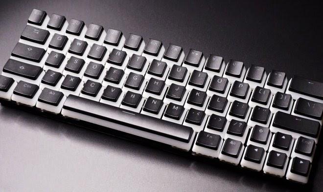 Клавиатура CharaChorder Lite использует «аккорды», чтобы печатать слова целиком