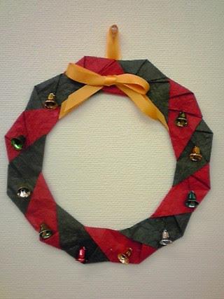 折り紙でクリスマス飾りクリスマスリースツリーの簡単な折り方作り方