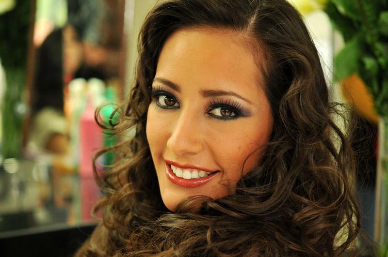 La bella sonrrisa de la cruceña Claudia Tavel, Miss Universo Bolivia 2013