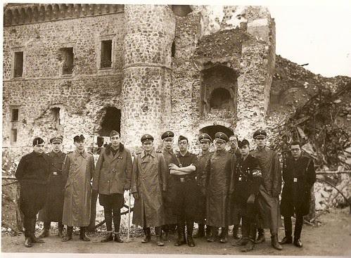 Oficiales alemanes en el Alcázar (Fotografía Rodríguez)