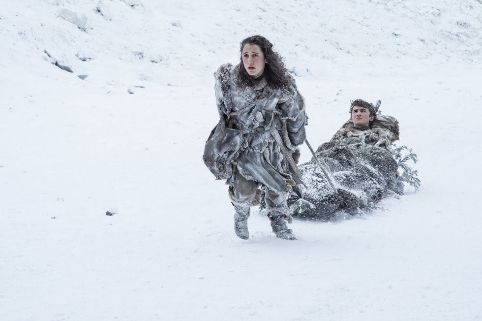 Ellie Kendrick como Meera Reed e Isaac Hempstead Wright como Bran Stark.