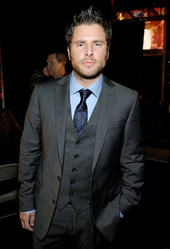 james roday looking so spiffy in his suit.