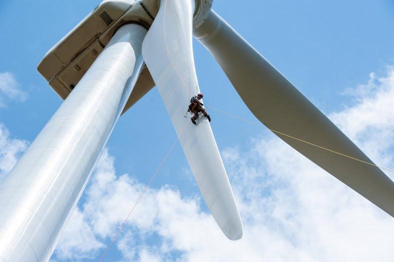 wind turbine rappel