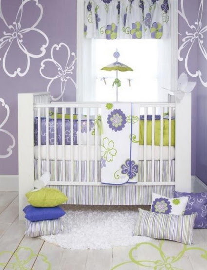 Dormitorio de bebé lila
