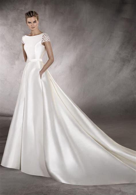 pronovias   boat neck wedding dress
