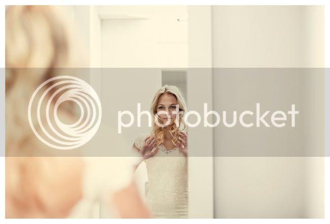 http://i892.photobucket.com/albums/ac125/lovemademedoit/vintage_chic_wedding005.jpg?t=1288713620