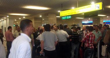 سلطات المطار أنهت إجراءات سفر الركاب الأقباط