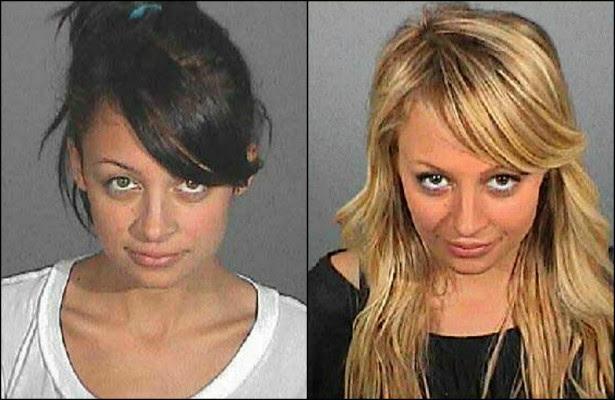 Em 2007, a socialite Nicole Richie foi condenada a quatro dias de prisão por dirigir sob efeito de álcool e/ou outras drogas. Mas passou apenas 82 minutos na cadeia. As celas estavam lotadas e a polícia acabou liberando a moça. (Foto: Divulgação)