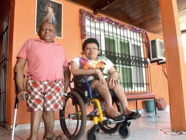 Irmãos sobreviram com doença chamada de ossos de vidro (Foto: Abinoan Santiago/G1)