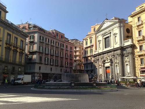 Una piazza a Napoli by durishti