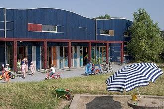 blaue welle hamburger spielhaeuserde spielhaus