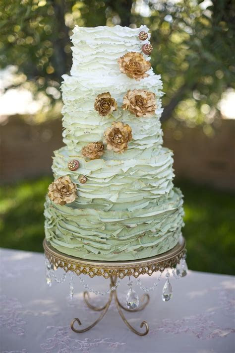 Best 25  Mint green cakes ideas on Pinterest   Vintage