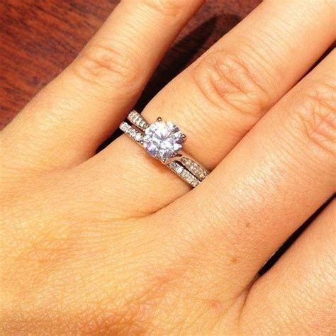 What is the aesthetic difference between engagement rings
