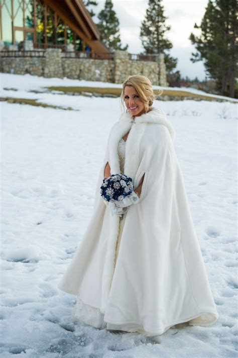 Best 25  Winter wedding coat ideas on Pinterest   Wedding