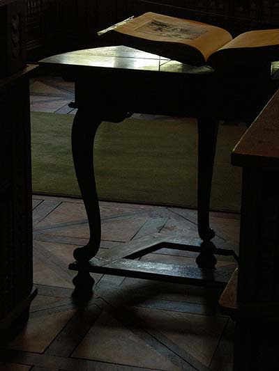Kalocsai Főszékesegyházi Könyvtár, díszterem részlete