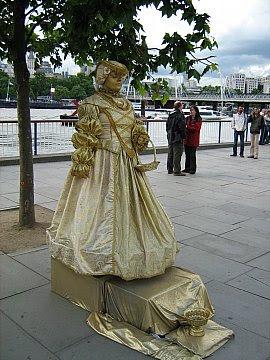 London 1 020