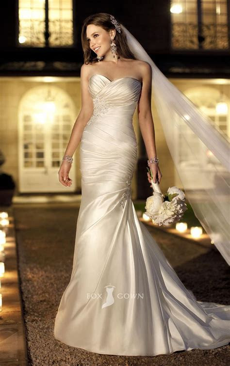 Best 25  Ruched wedding dress ideas on Pinterest